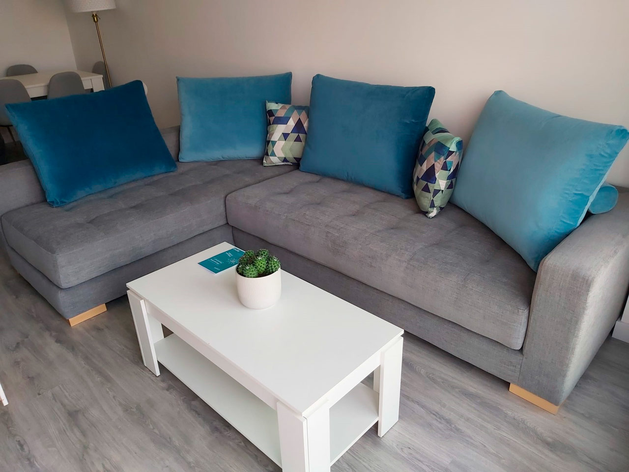 Entregas a clientes Famaliving Málaga
