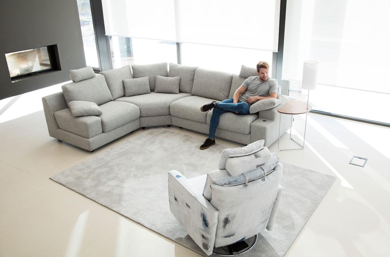 Calessi sofa Fama 2018 02