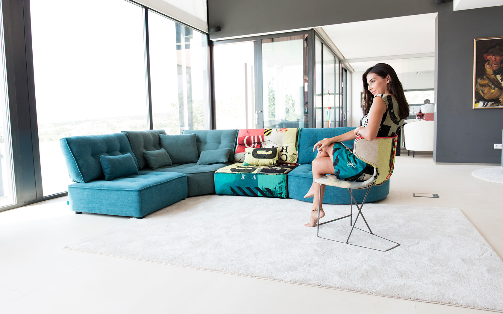 Arianne Love sofa Fama 2019 08