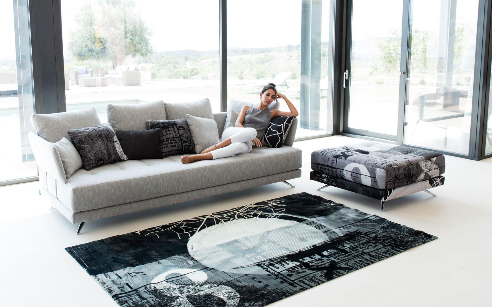 Pacific sofa Fama 2019 08
