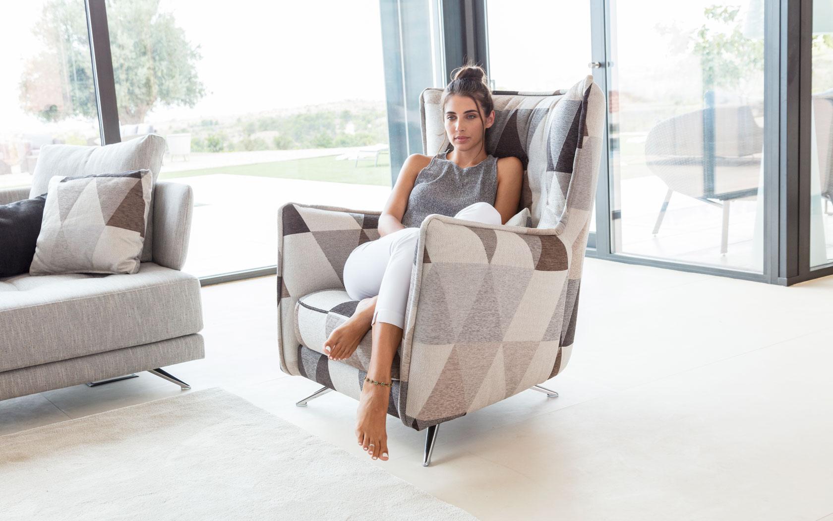 Simone sillón fama 2019 12