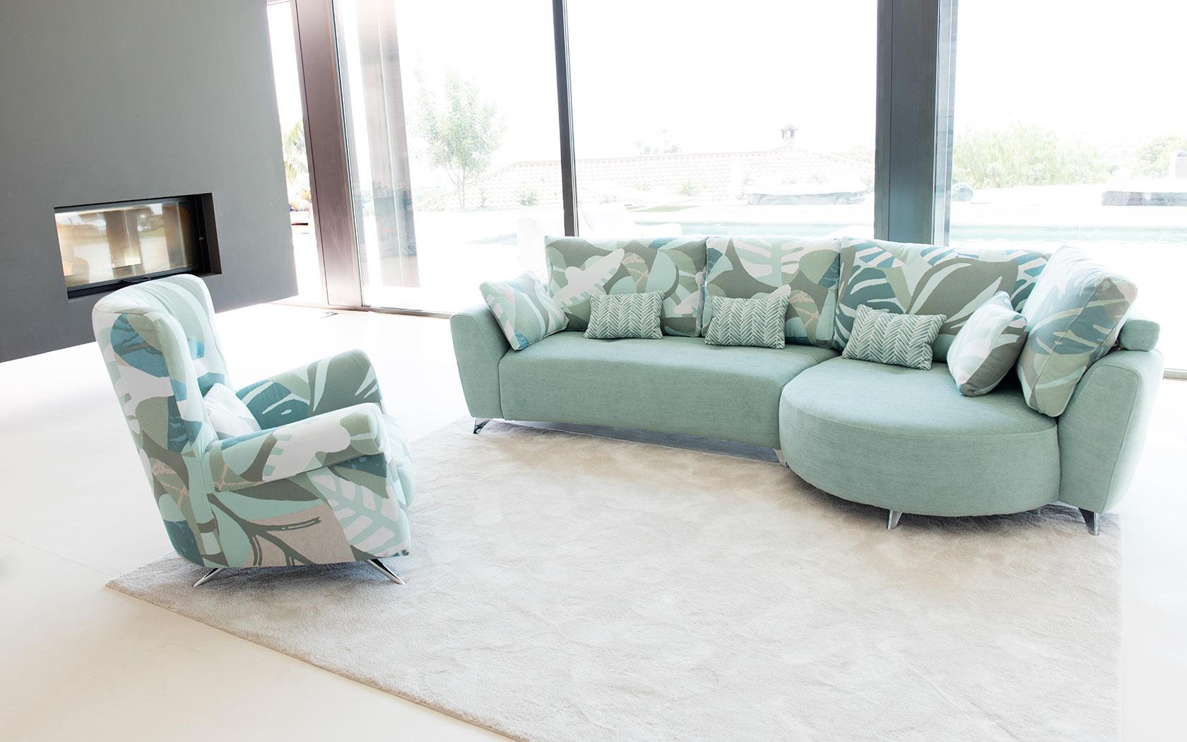 Valentina sofa Fama 2019 02