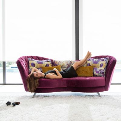 Josephine, del sofá a la cama.
