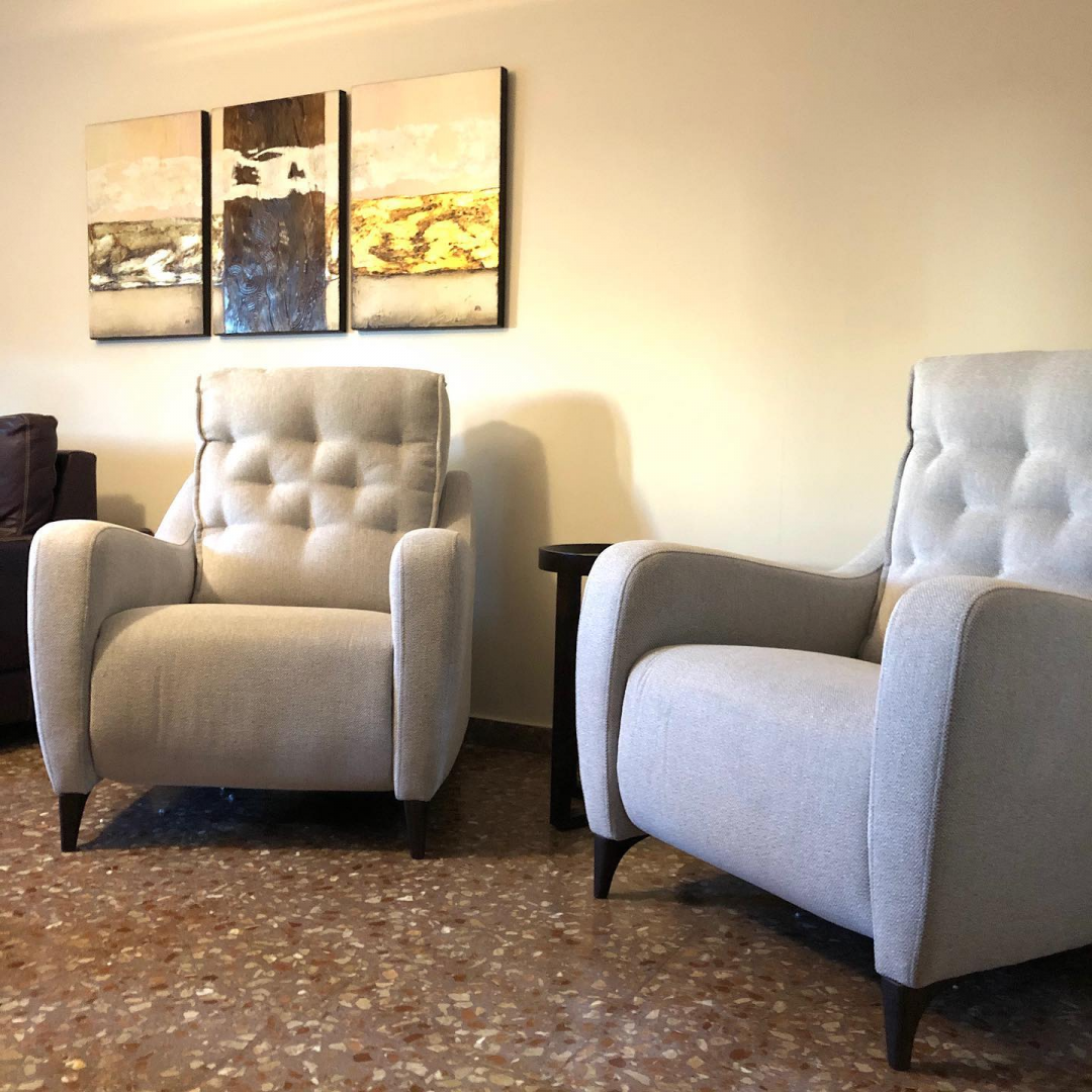 Armchairs and Recliners